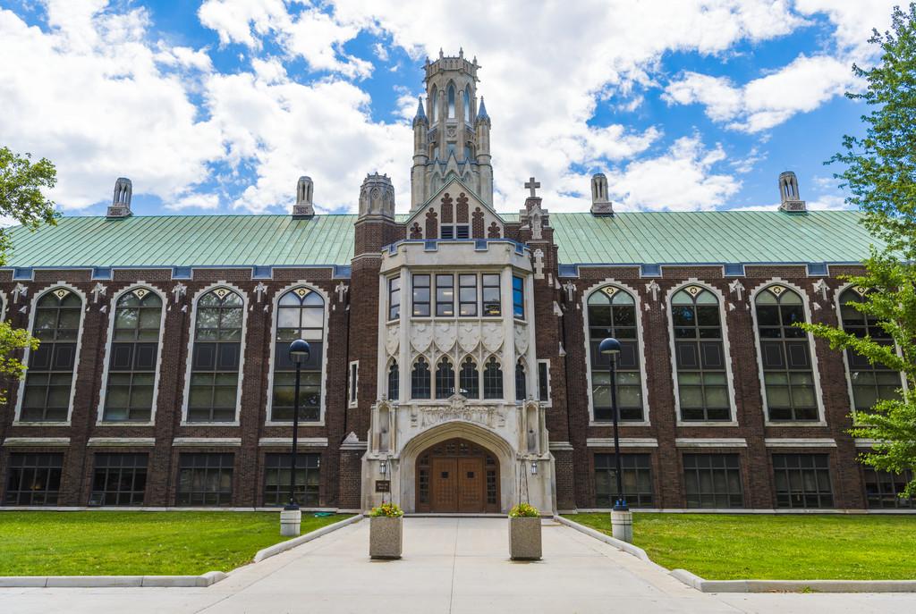 Đại Học Windsor, Canada